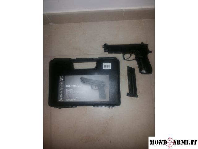 Pistola Hg 199 metal modello Beretta a Co2