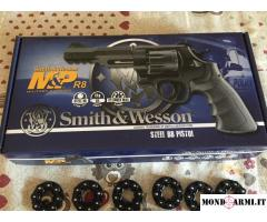 Revolver Smith & Welson M&P R8 CO2 della Umarex