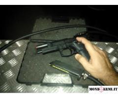 pistola a gas modificata per funzionare con compressore
