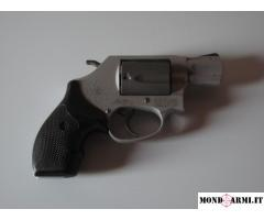Revolver Smith&Wesson 337 Airweight Calibro 38 Special