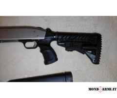 Mossberg 500 USA con kit Fab Defense pari al nuovo