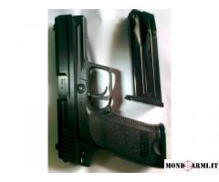 pistola semiautomatica H.P modello USP cal.45 AUTO.
