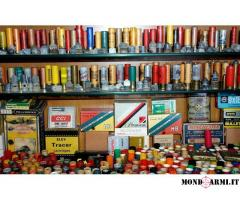 Collezione vintage di cartucce, proiettili, pallottole, bossoli, capsule, scatole etc.