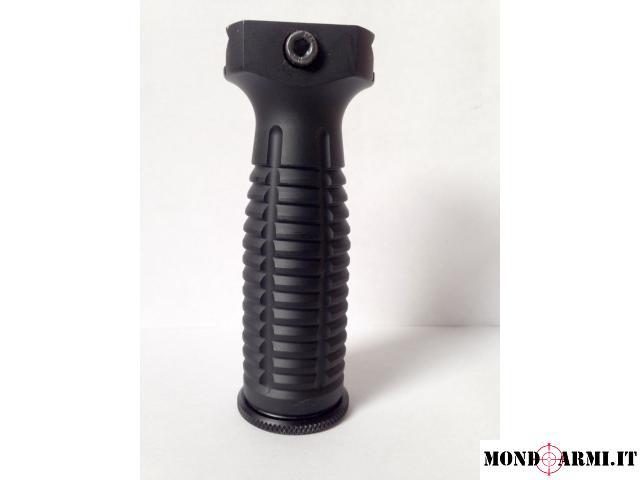 Impugnatura tattica (Tactical foward grip) Kley Zion, alluminio.