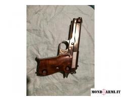 Pistola Beretta M952