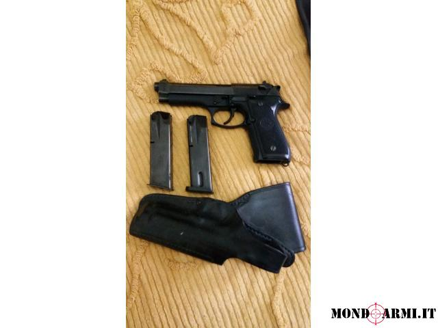 Beretta 98 FS due caricatori regalo fondina